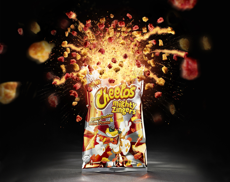 studioMiguel_Illustration_04_Cheetos_explodingbag_AWESOME_lr